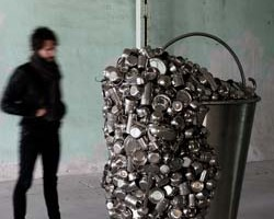 subodh_gupta_bucket2